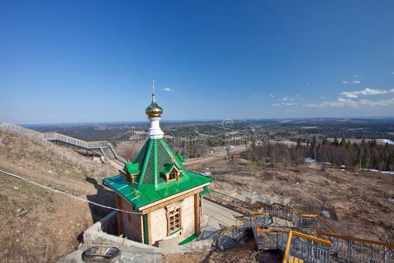 kapellbergrussia vitt trä fotografering för bildbyråer