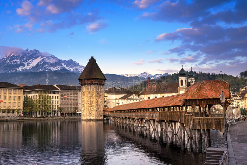 kapellbro, kapellbruck i lucerne, Schweiz royaltyfri foto