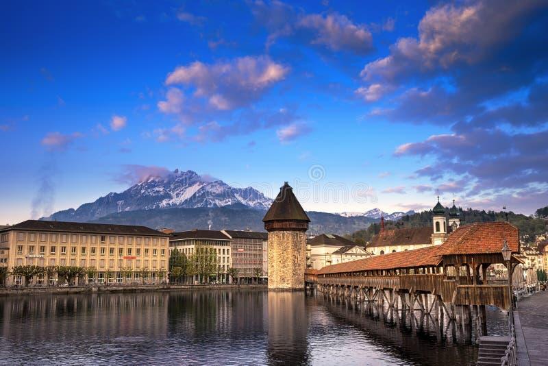 kapellbro, kapellbruck i lucerne, Schweiz royaltyfria bilder