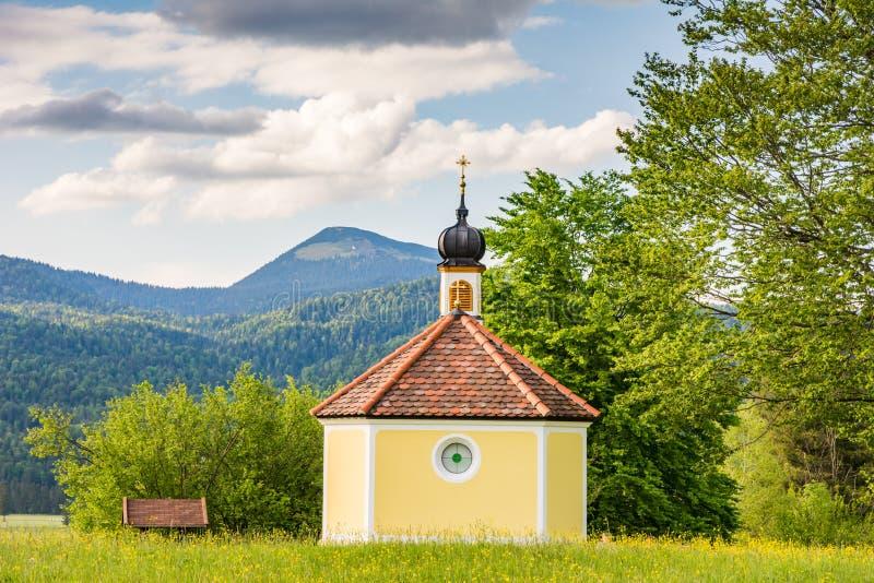 Kapelle in den Alpen von Bavria stockfoto
