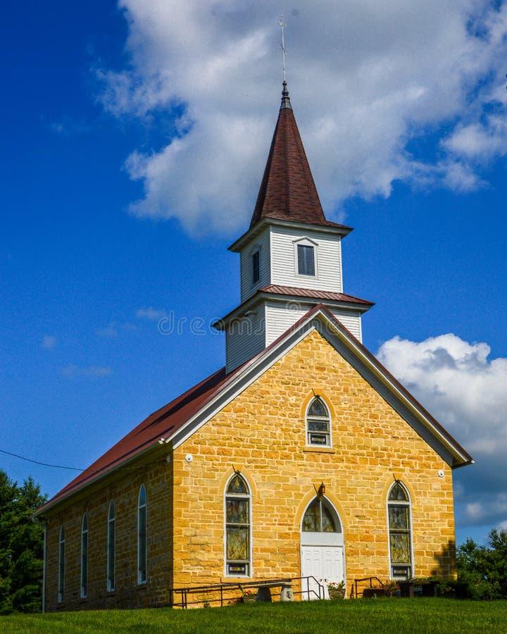 Kapelle im Kirchhof in Wisconsin stockbilder
