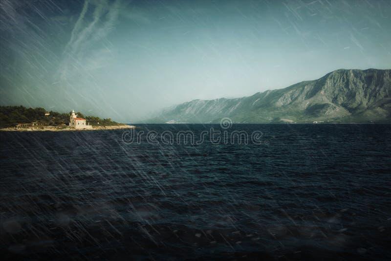 Download Kapelle an Land stockbild. Bild von klippe, griechisch - 26353225