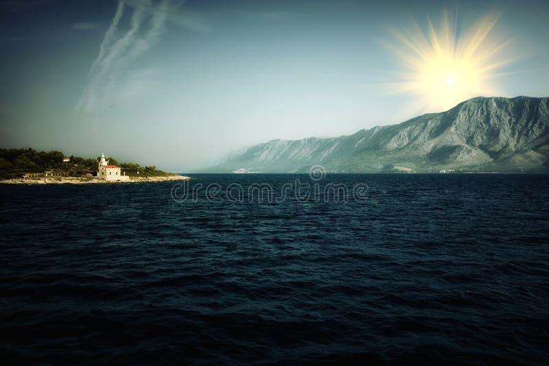 Download Kapelle an Land stockfoto. Bild von hafen, berge, kapelle - 26353230