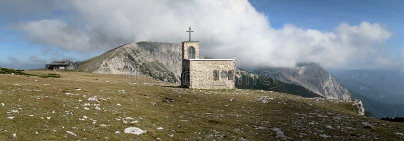 Kapelle Raxkircherl in den Rax Alpen stockbilder