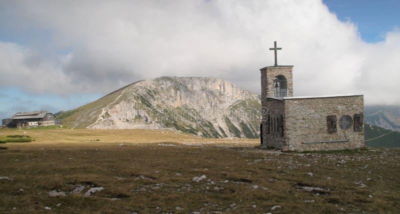 Kapelle Raxkircherl in den Rax Alpen lizenzfreies stockbild