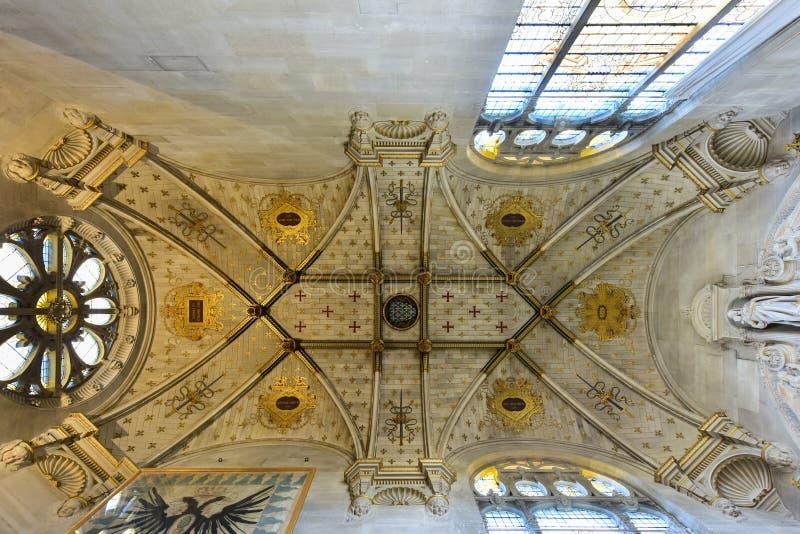 Kapelle von Chantily, Frankreich lizenzfreie stockbilder