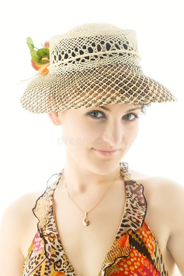 kapeluszowi ładni uśmiechnięci lato kobiety potomstwa zdjęcia royalty free