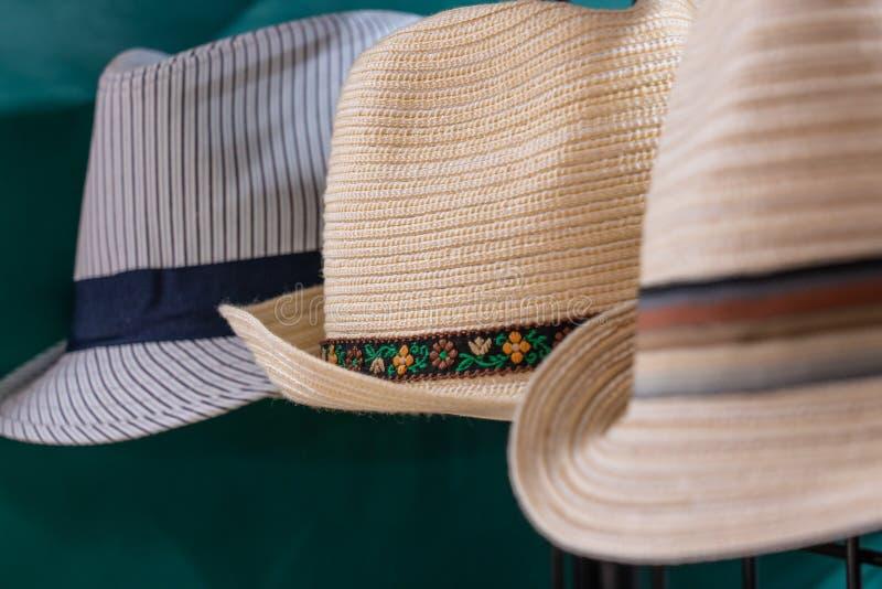 3 kapeluszu dla sprzedaży zdjęcie stock