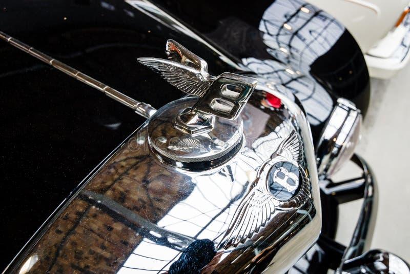 Kapiszonu emblemat luksusowy samochodowy Bentley fotografia stock