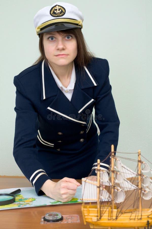 kapitanów poncze emocjonalnie zgłaszają kobiety zdjęcie stock