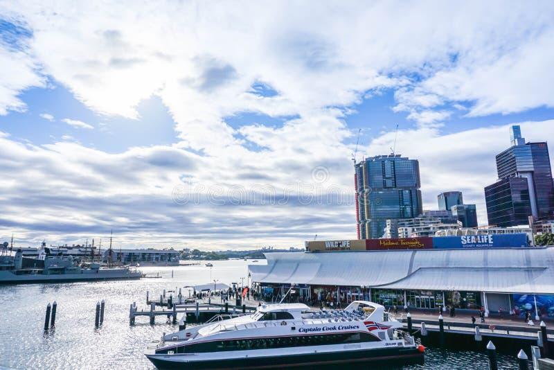 Kapiteinscook Cruises dok in Darling Harbour voor toeristeningang stock foto's