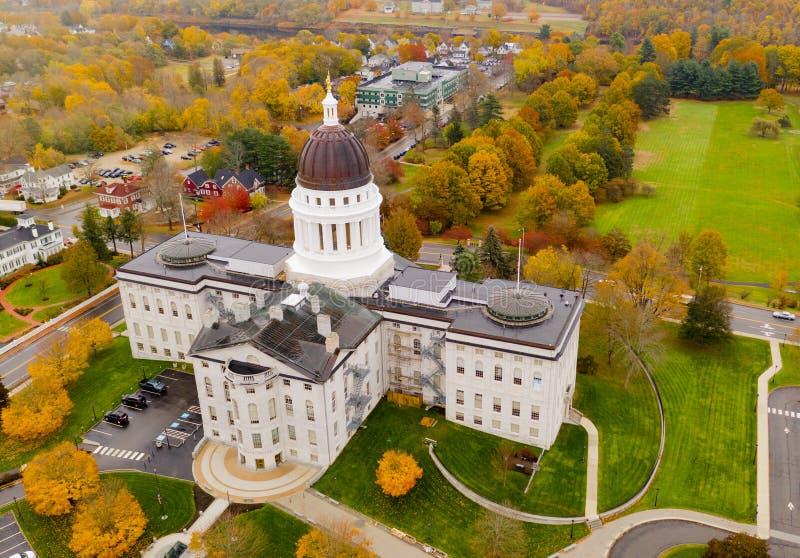Kapitol-errichtendes Parlamentsgebäude Augusta Maine Autumn Season Aerial stockfotografie