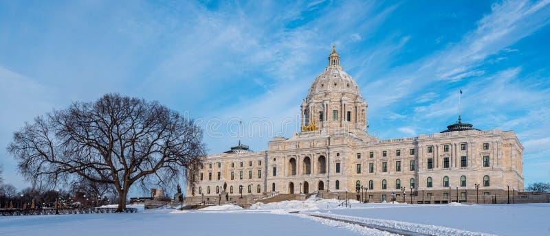 Kapitol för Minnesota-staten på Winter royaltyfri fotografi