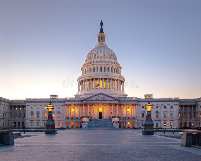 Kapitol-Gebäude Vereinigter Staaten bei Sonnenuntergang - Washington, DC, USA lizenzfreie stockfotografie