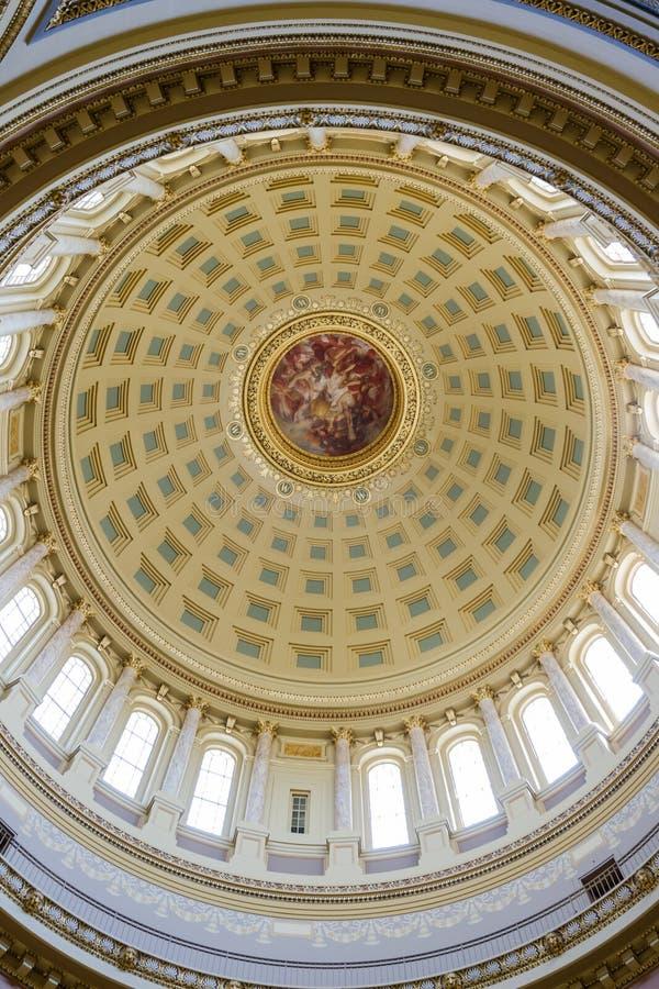 Kapitoliumbyggnadsinre i Madison, Wisconsin royaltyfri foto