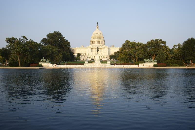 KapitoliumbyggnadsWashington DC USA med dammet arkivbild
