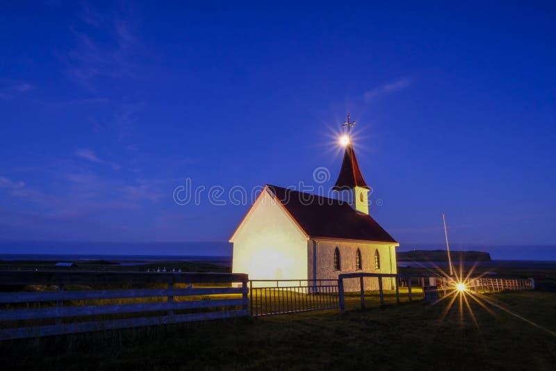 Kaple в Vik, Исландии стоковое фото