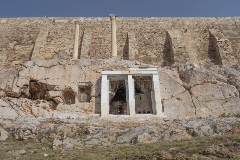 Kaplica choragic zabytek Thrasyllus i jama, akropol, Ateny obraz royalty free