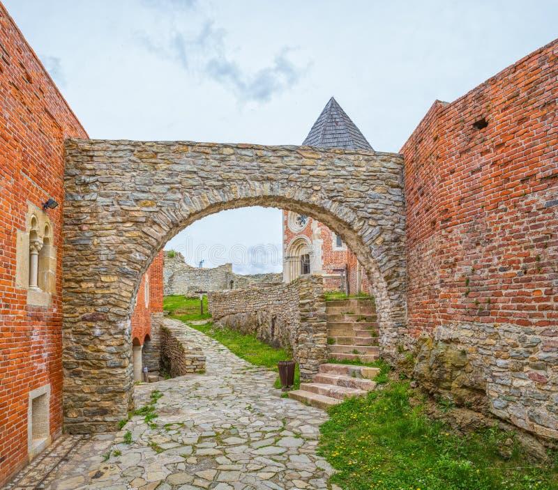 Kaplica i ściany na Medvedgrad kasztelu zdjęcie royalty free