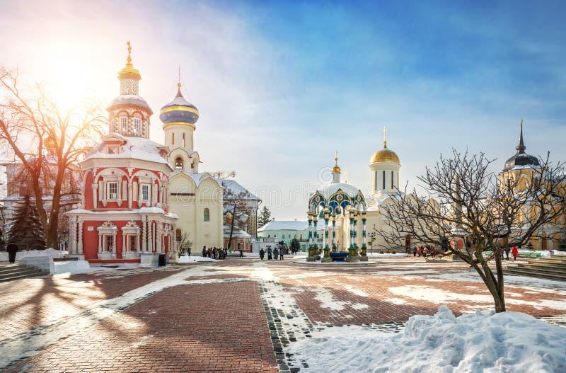 Kaplica i świątynie Lavra w Sergiev Posada obraz stock