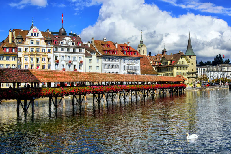 Kaplica most w starym miasteczku lucerna, Szwajcaria obrazy stock