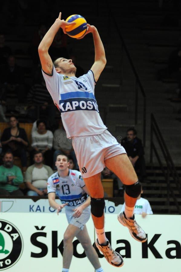Kaposvar - jogo de voleibol dos hotVolleys imagens de stock royalty free