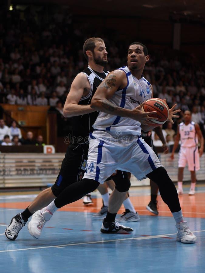 Kaposvar - Pecs-Basketballspiel stockbilder