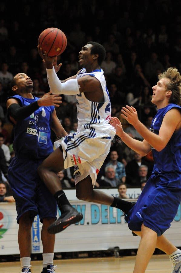 Kaposvar - Zalaegerszeg basketbalspel royalty-vrije stock afbeelding