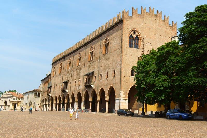 Kaptenens slott, Palazzo Ducale i Mantua, Italien arkivfoton