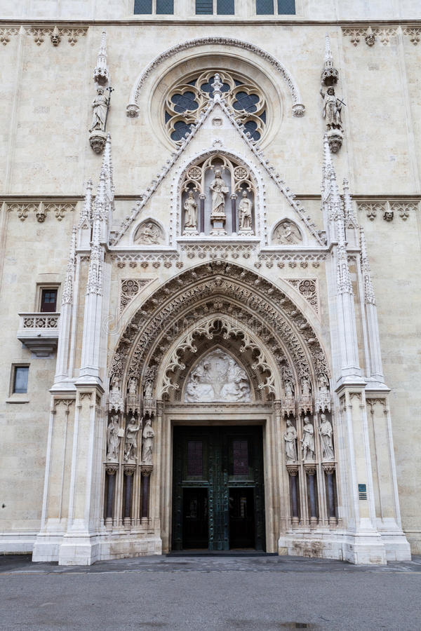 Kaptol的,克罗地亚萨格勒布大教堂 教会入口 库存照片
