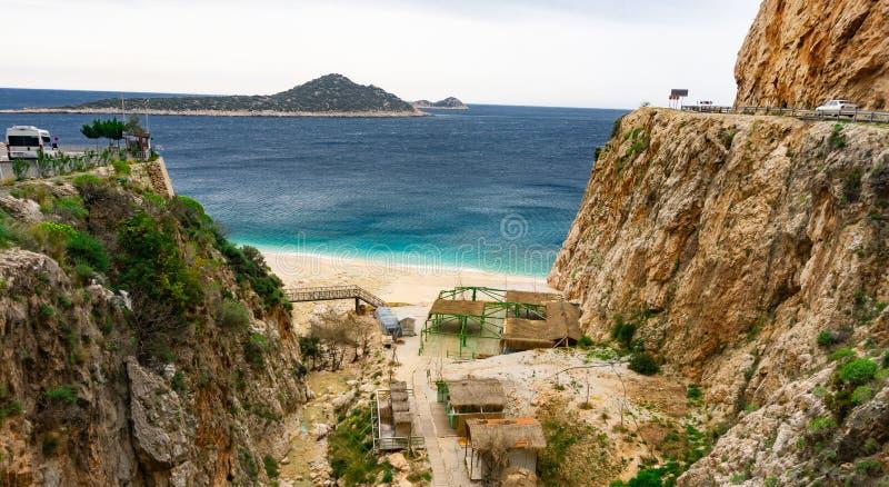Kaputas-Strand, Antalya, die Türkei Erfüllter Wanderer Sommer- und Feiertagskonzept lizenzfreie stockfotos
