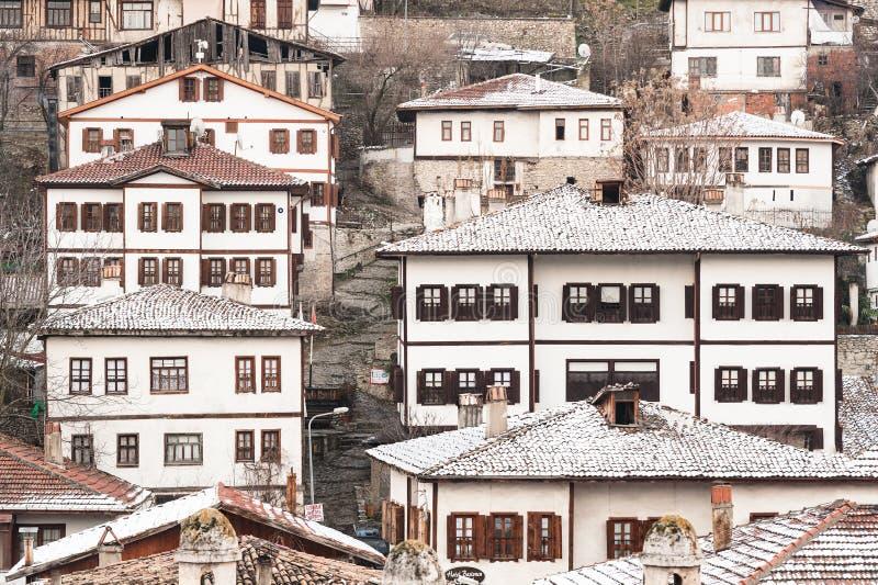 KARABUK,土耳其- 2016年1月21日:市番红花城 老镇保存与1008的许多老大厦登记了历史arti 免版税库存照片