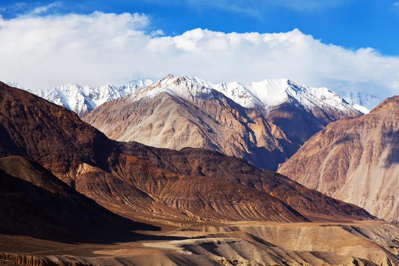 Karakoram-Berglandschaft lizenzfreies stockbild