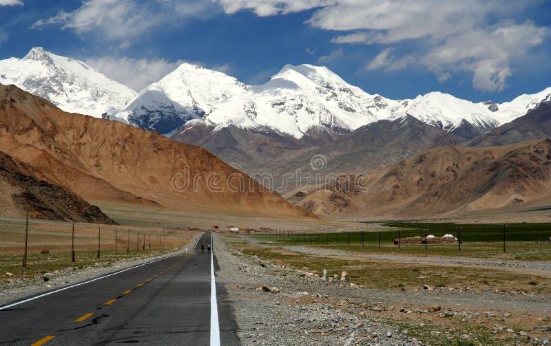 Karakorum huvudväg arkivfoto