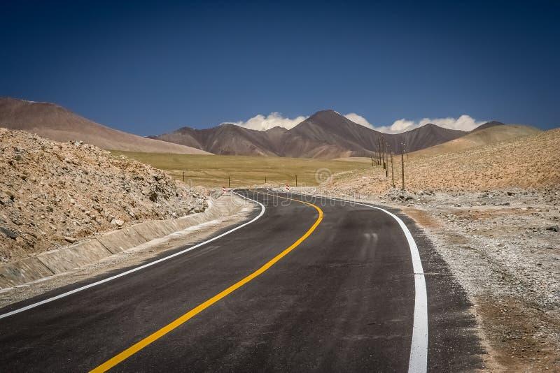 Karakorum huvudväg arkivbild