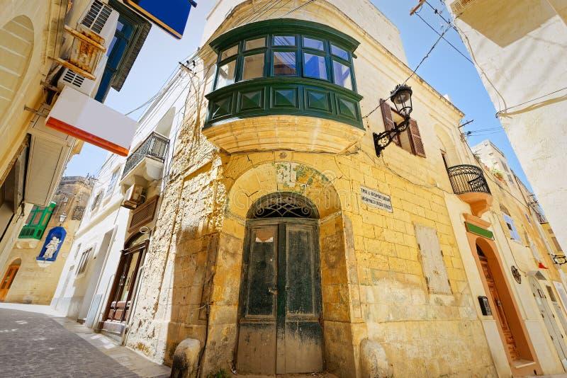 Karakteristisk gränd av Ir-Rabat, Gozo, Malta arkivbild