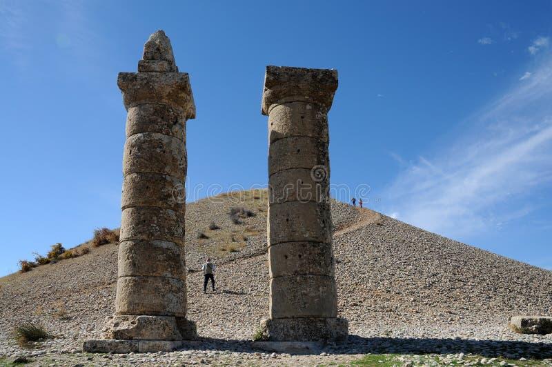 Karakus tumulus w terenie Nemrut Dagi, wschodni Anatolia zdjęcie stock