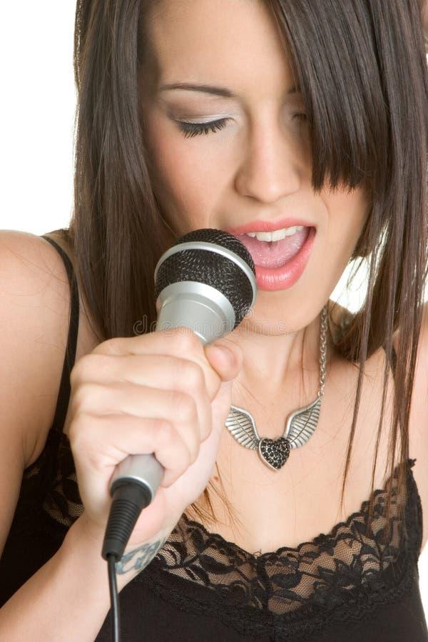 Karaoke do canto da pessoa foto de stock royalty free