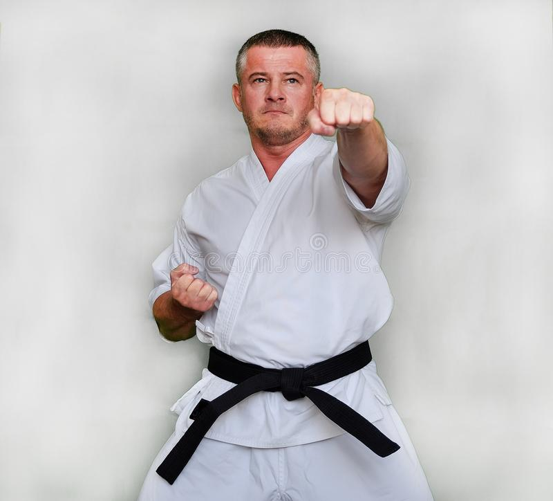 Karate KUDO κατεύθυνσης Azuma Takashi, ο δημιουργός του ύφους στοκ φωτογραφία