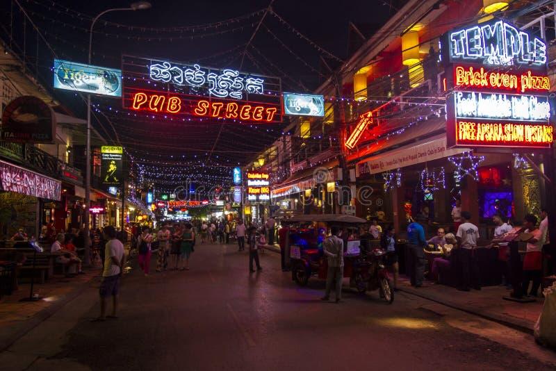 Karczemna ulica w Siem Przeprowadza żniwa przy nocą obraz stock