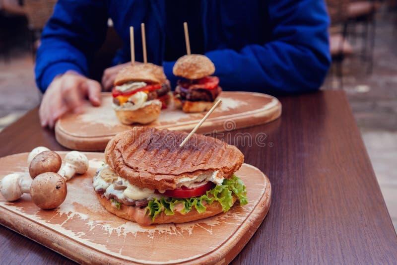 Karczemny jedzenie zdjęcia royalty free