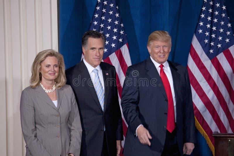 Karda och Ann Romney och Donald Trump royaltyfri bild