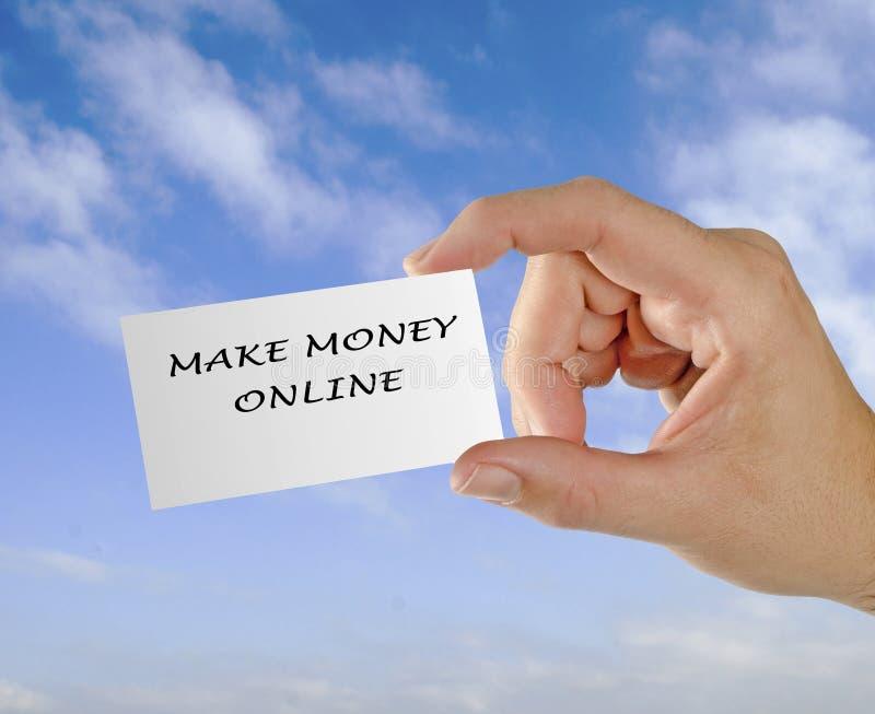 Kardieren Sie mit Wörtern, die ` machen Geld on-line--` stockfoto