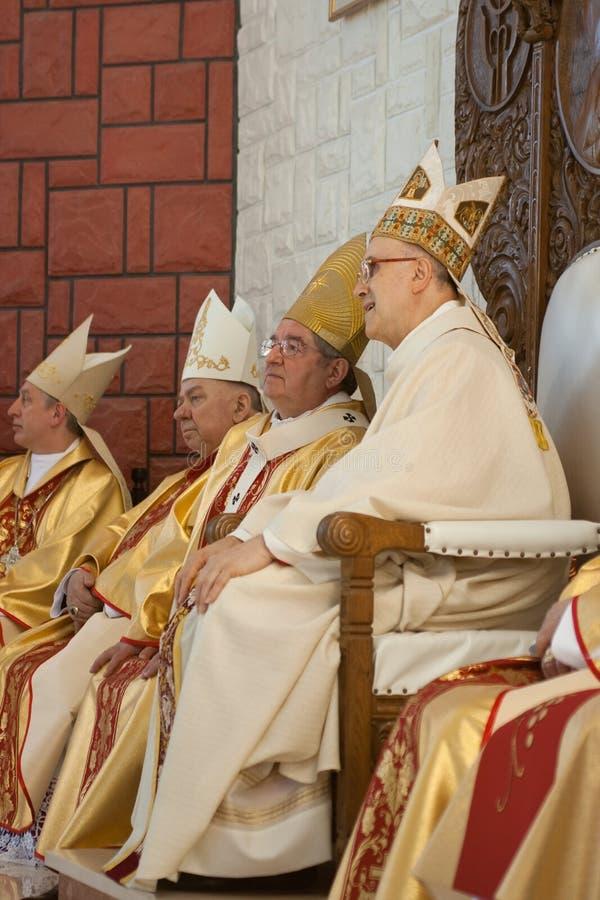 Kardinaal en bischoppen. stock foto