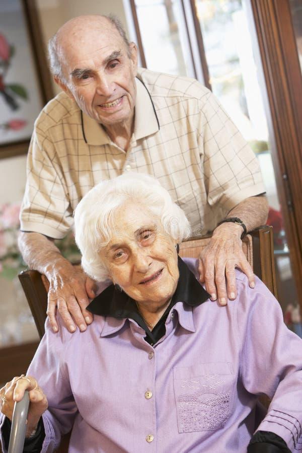 kareł pary relaksujący senior zdjęcie royalty free