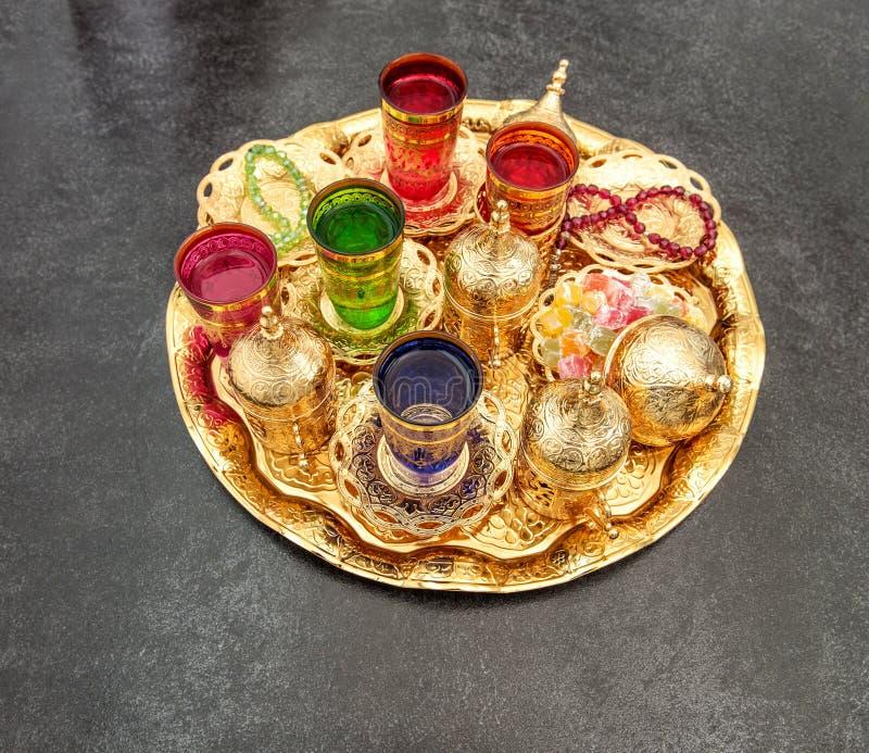 Kareem de oro del Ramadán de la decoración de la tabla de té
