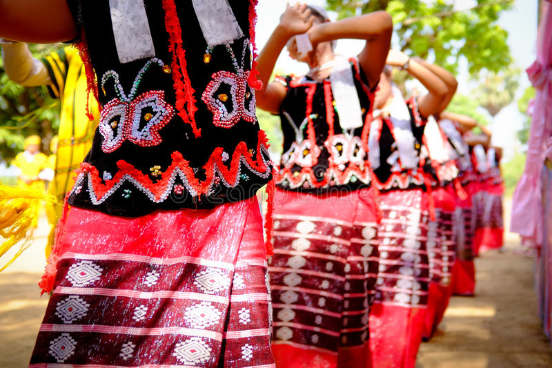 Karen Traditional Folk Dance fotografering för bildbyråer