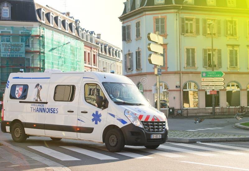 Karetka na ulicie w Mulhouse, Francja obraz stock