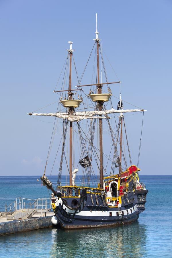 Download Karibische Piraten-Lieferung Stockbild - Bild von tourismus, cayman: 90236033
