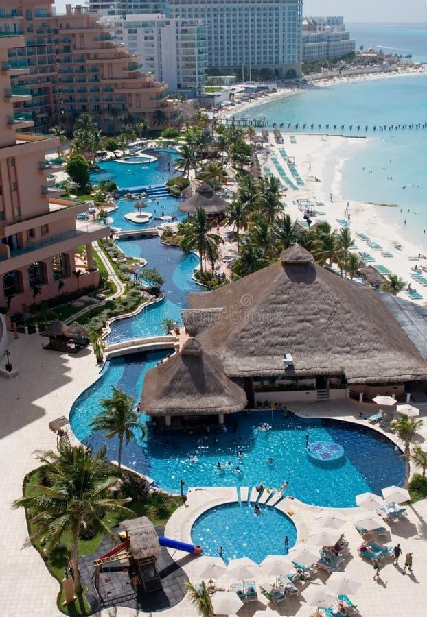 Karibisches Rücksortierung-Hotel stockfotografie